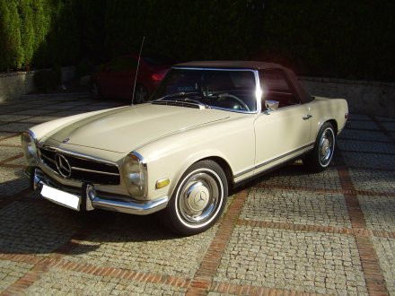 Mercedes Benz 250 SL