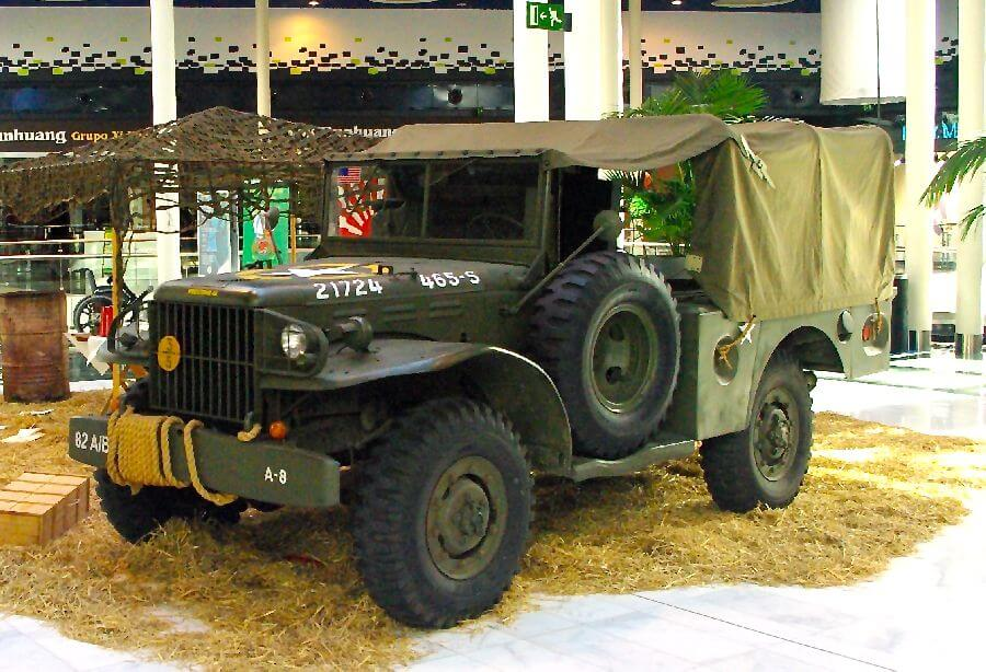Coches-Militares-3