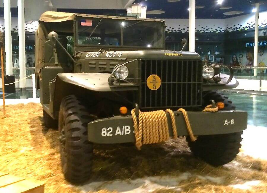 Coches-Militares-4