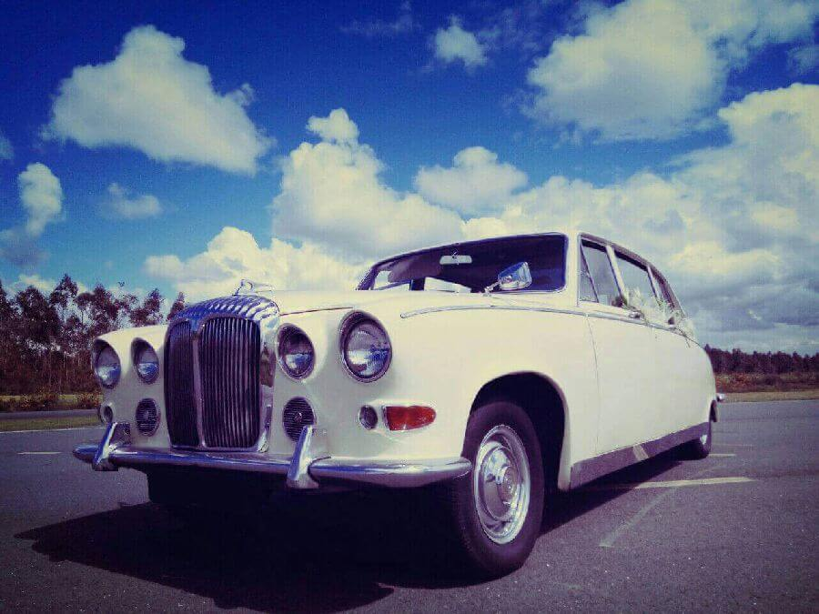 Daimler-Jaguar-DS420-1967-1