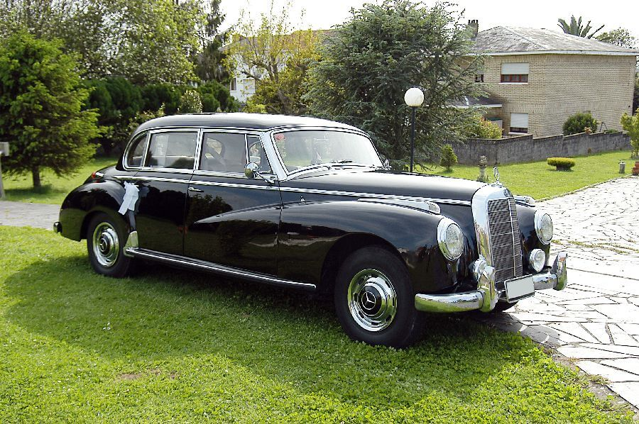 Mercedes-Type-300-Adenauer-1956
