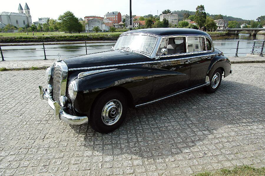 Mercedes-Type-300-Adenauer-1956-2