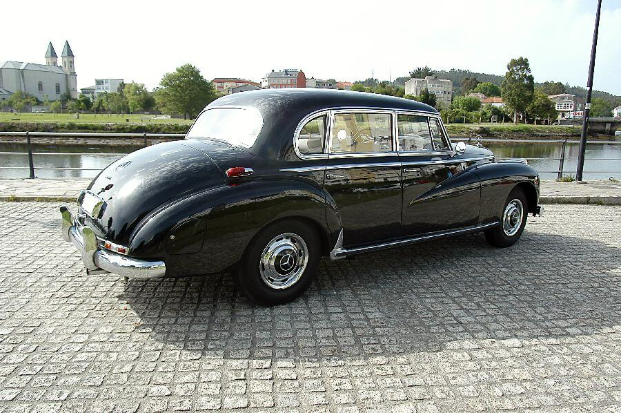 Mercedes-Type-300-Adenauer-1956-3