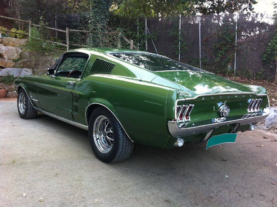 Ford-Mustang-Fastback-verde-1967-5