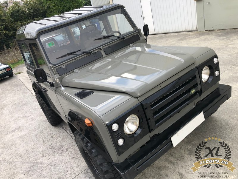 Land-Rover-Santana-Defender-88-109-2500-1990-5